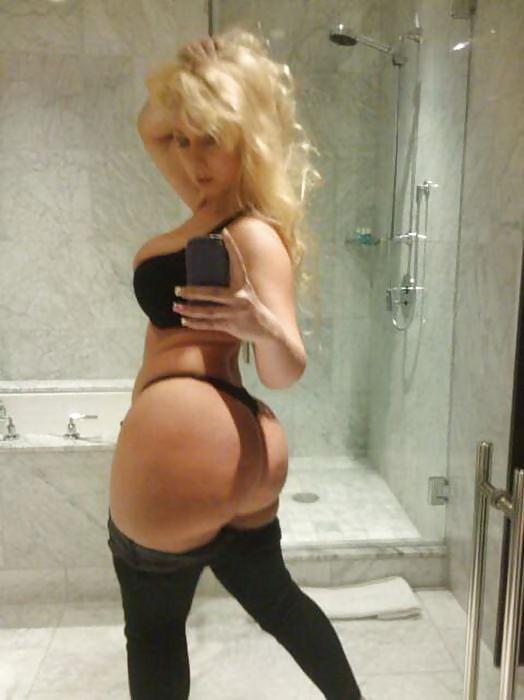 Cul incroyable d'une blonde