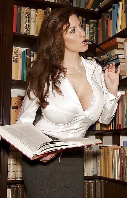 Jeune prof de litterature sexy