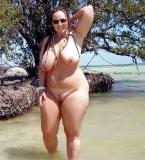 Grosse en exib sur la plage