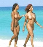 2 métisses nuent sur la plage