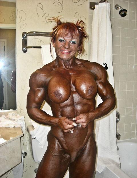 Superbe femme bodybuildée